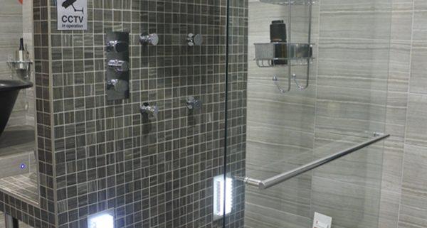 Walk in showers and wet rooms - Bathroom Depot Leeds 3